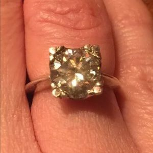 Jewelry - Vintage Sterling Silver Moissanite Ring